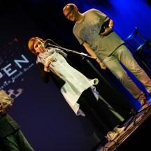 Gast Sabine Bohlmann verkündet die Publikumsgewinnerin
