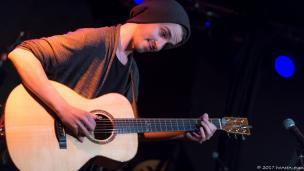 Sebastian Klein - der Meister der perkussiven Gitarre