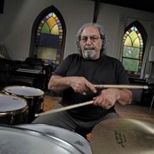 Gab Feedback an die Teilnehmer: Der legendäre Drummer Jerry Marotta