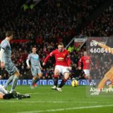 460841738-wayne-rooney-of-manchester-united-scores-the-gettyimages[1]