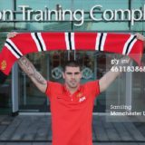 461183868-victor-valdes-of-manchester-united-poses-gettyimages[1]