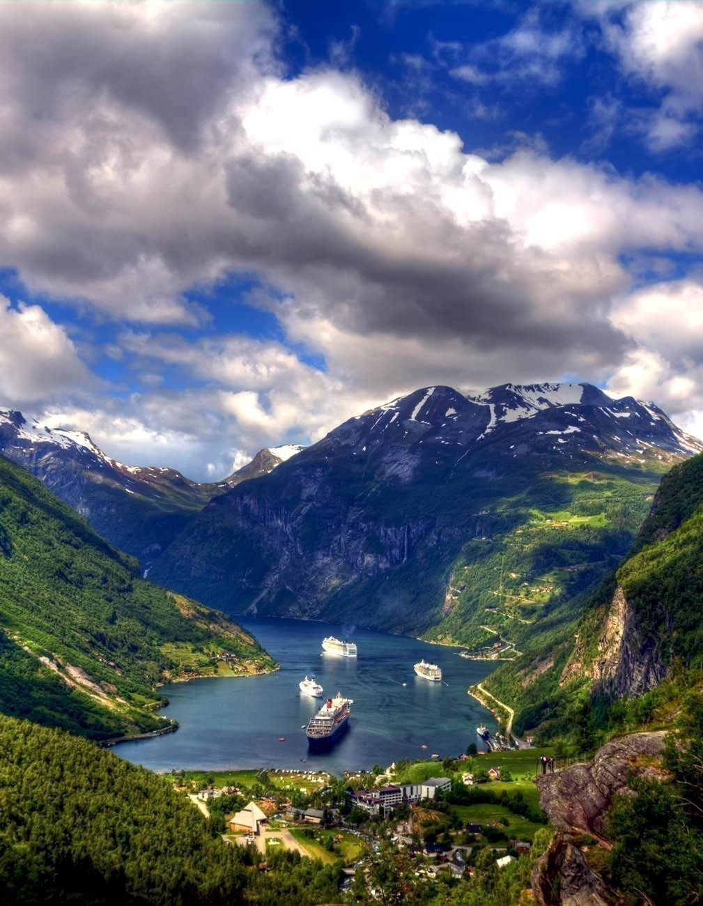 End of the famous Geiranger fjord | Norway Travel Guide