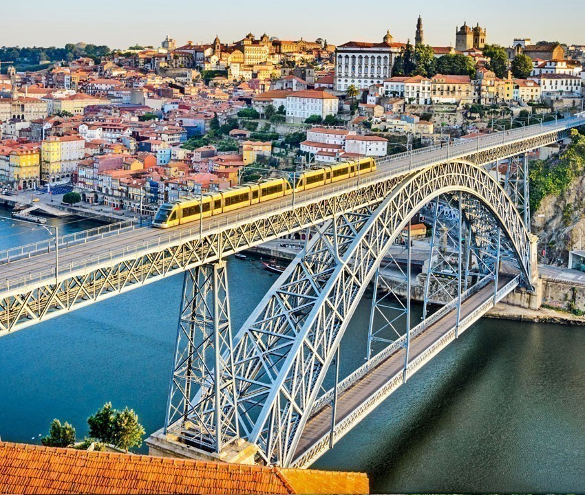 Ponte de D. Luis, Porto | 11 Must-See attractions in Portugal
