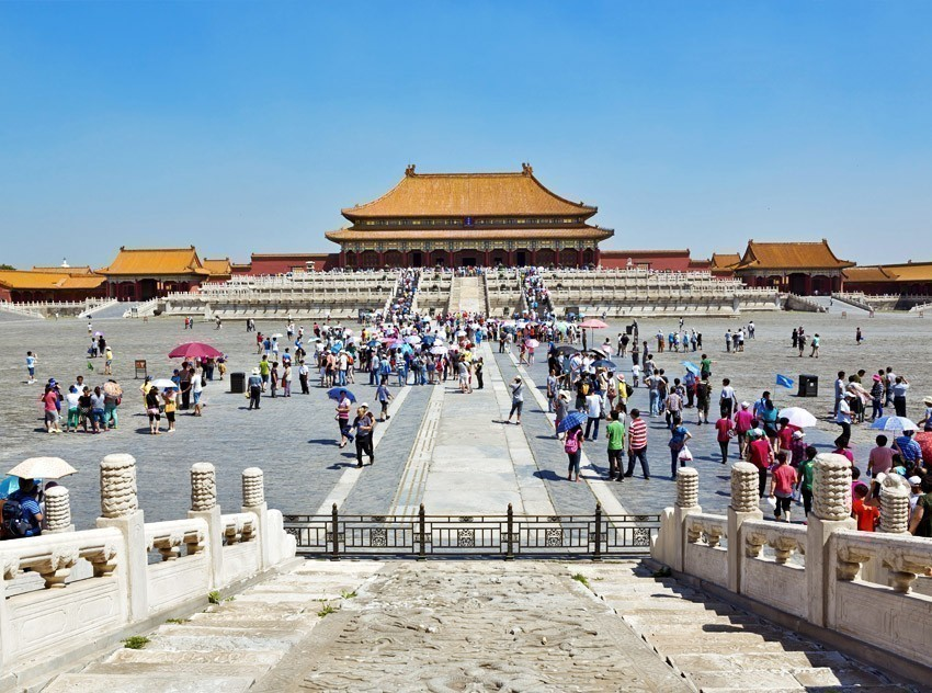 Tiananmen Square is one of the most iconic landmarks of Beijing | TOP 10 World-famous City Squares
