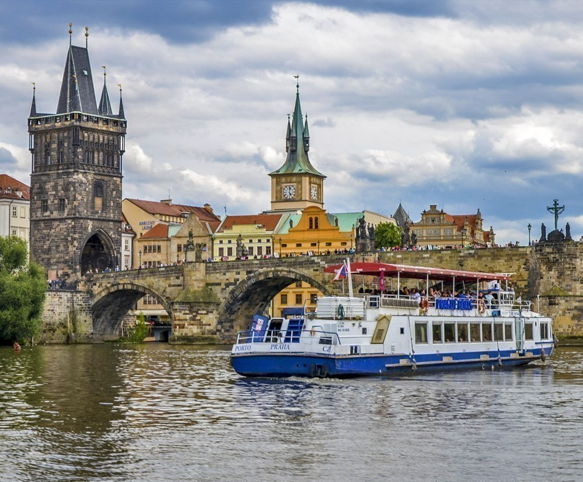 Journey to Prague, trip cruise on the river Vltava | The Ultimate 3-Day Itinerary for a Trip to Prague