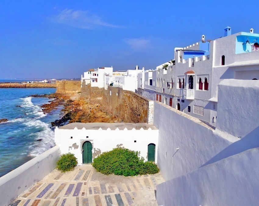 Houses on the Atlantic coast in Asilah, Morocco | 6 Reasons Why we fell in love with Morocco