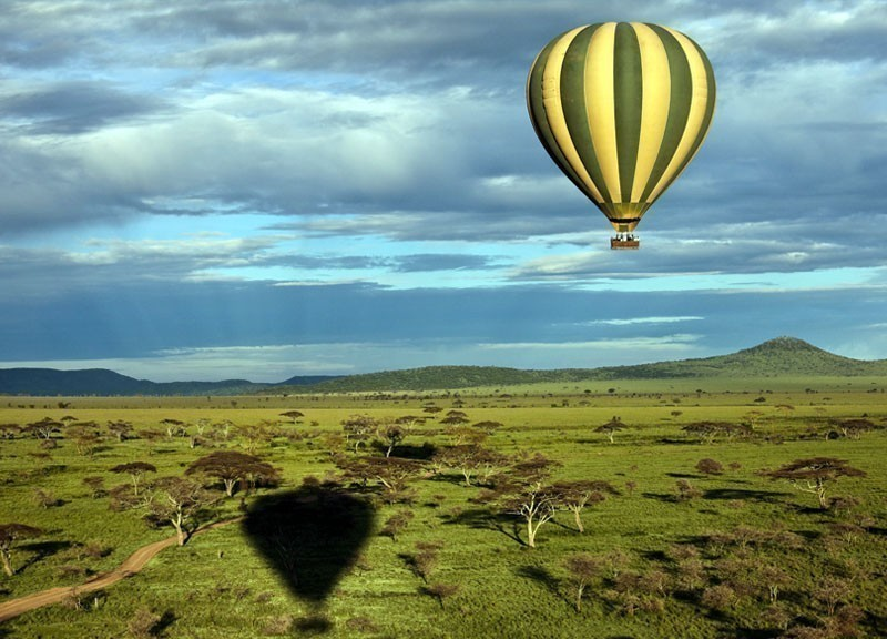 Hot-Air Balloon over Savannah, Serengeti, Tanzania | 10 Best Hot Air Balloon Rides Around The World