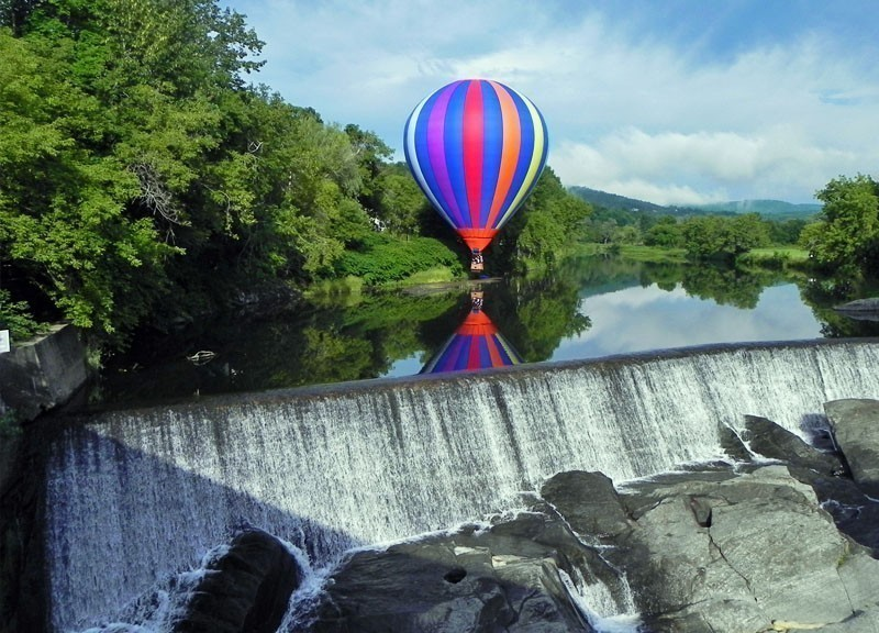 Enjoy the sights of Vermont in a Hot-air Balloon | 10 Best Hot Air Balloon Rides Around The World
