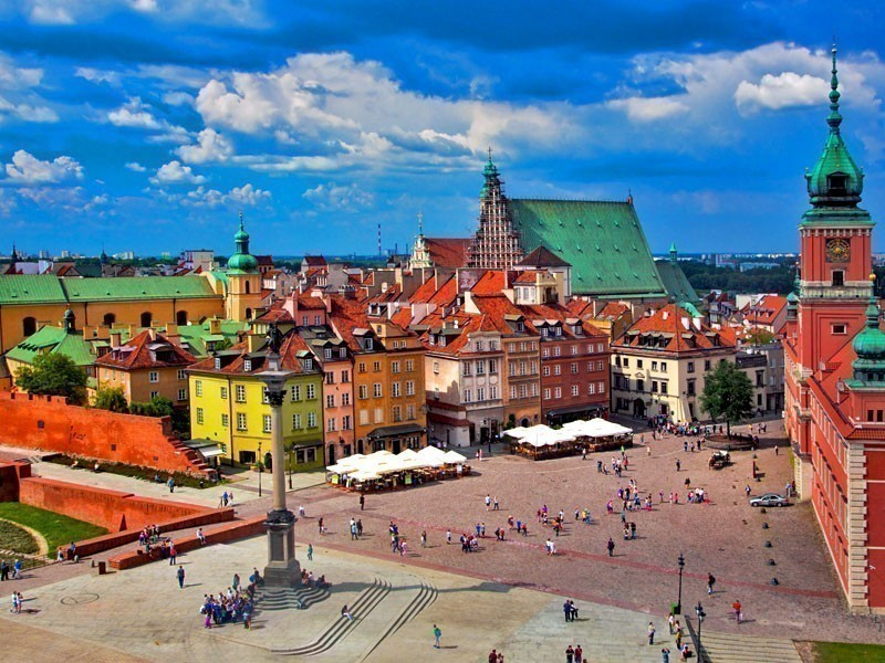 Beautiful architecture from the Old Town in Warsaw, Poland | What to Do in Warsaw in 3 Days