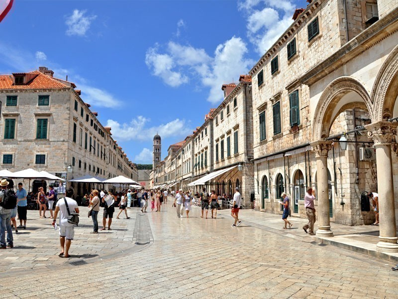 The marble boulevard situated in the old town of Dubrovnik, Croatia | What to Do in Dubrovnik in 3 Days