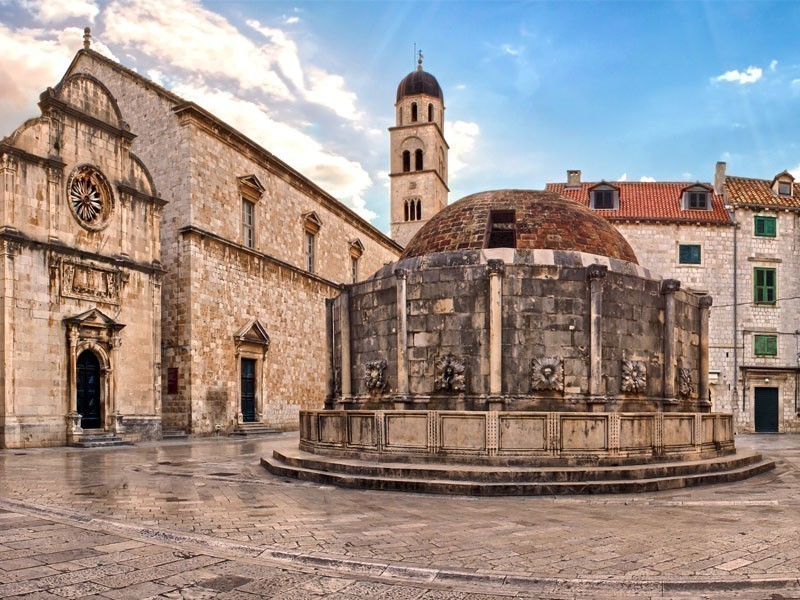 Onofrio Fountain, one of Dubrovnik's most famous landmarks | What to Do in Dubrovnik in 3 Days