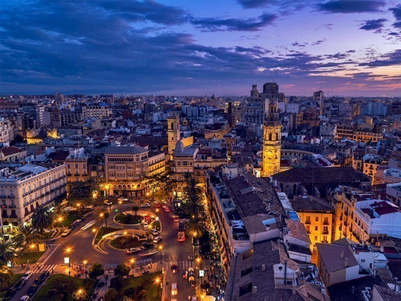 Night view of Valencia, Spain. Plaza de la Reina with many cafes and restaurants and very popular among tourists | What to Do in Valencia in 3 Days
