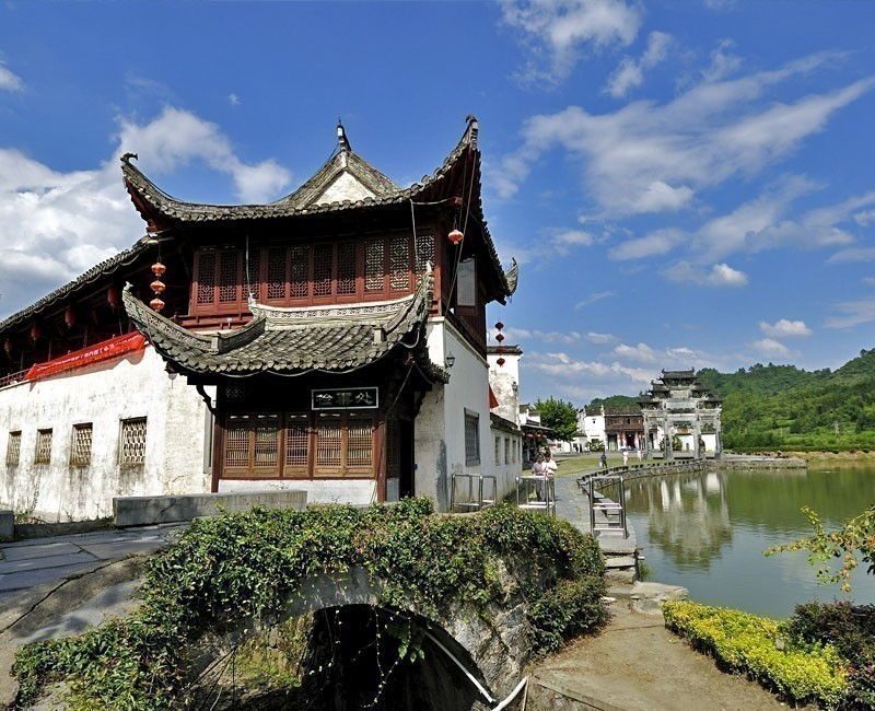 Located in Yixian County of Huangshan City, Xidi and Hongcun Ancient Villages were listed as World Heritage Sites by UNESCO in 2000 | 10 Most Beautiful Ancient Little Towns in China