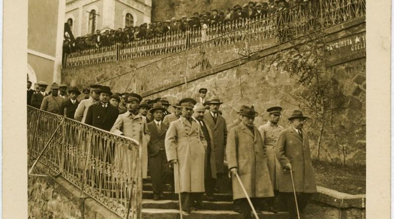 Atatürk ve İnkılapçılığı