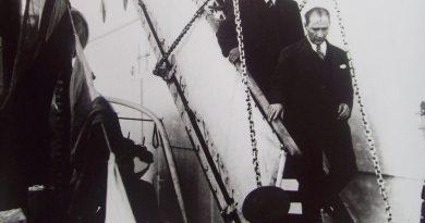 Tevfik Fikret ile Mehmet Akif'in Mukayesesi