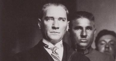 Atatürk'ü Giydirenler Anlatıyor