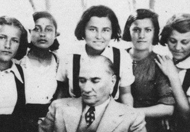 Biz Mustafa Kemal'in Çocuklarıyız