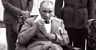 Atatürk Ve Rus Milli Maçı