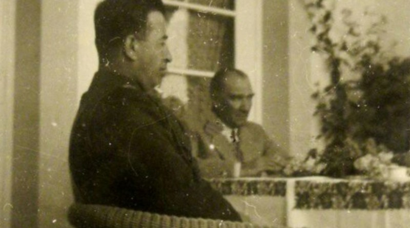 """Atatürk Köşk'ten Kaçtı Ve… """"Halil Ağa Gerçeği"""" İle Yüzyüze Geldi"""