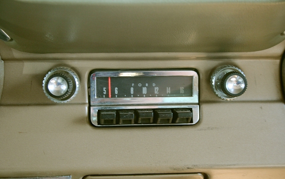 Close-up of the 1965 AM radio