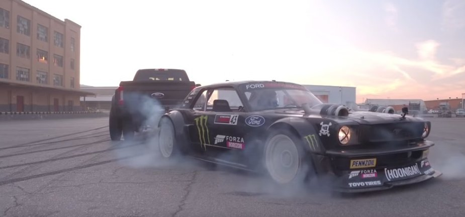 Hoonicorn Mustang with F-450 Sliding Front Corner