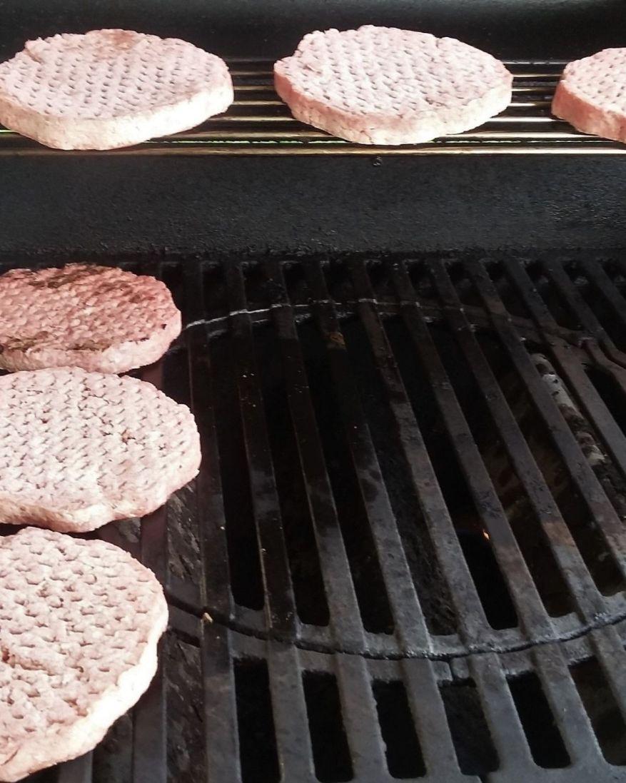 how to cook frozen hamburger patties
