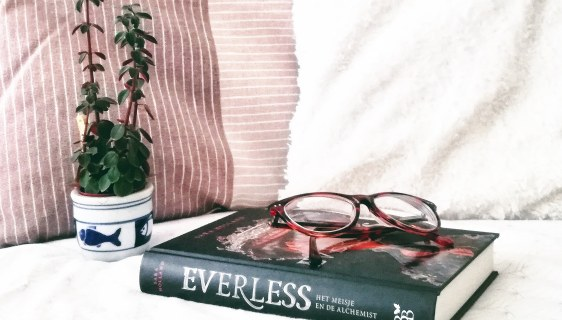 Sara Holland Everless recensie