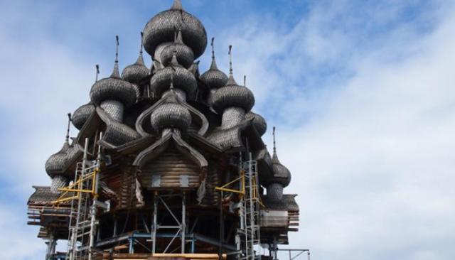 Миссия ЮНЕСКО обсудит пути укрепления памятника. Фото: Валерий Поташов