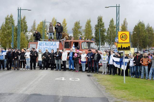 Акция против приема беженцев в соседней с Карелией Финляндии. Фото: www.kousat.org