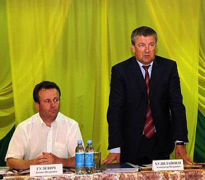Леонид Гулевич уже с нынешним главой Карелии Александром Худилайненом. Фото: gov.karelia.ru