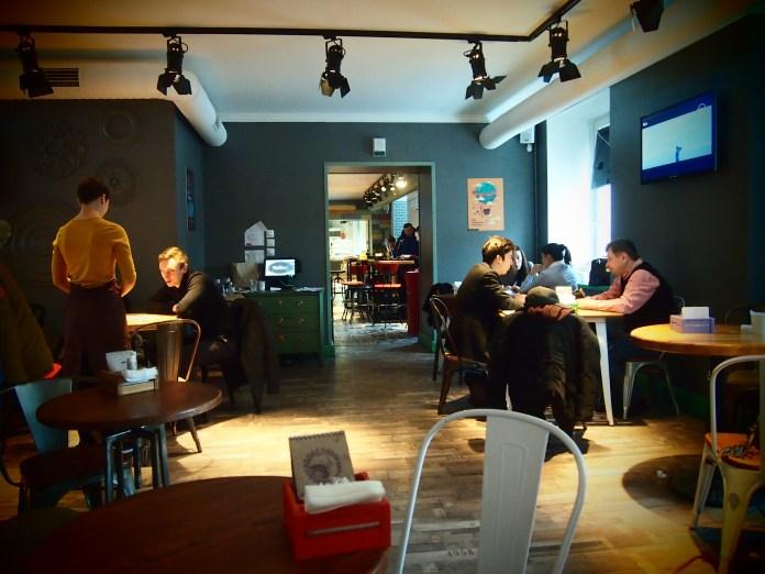 "В кафе ""The Кухня"". Фото: Валерий Поташов"
