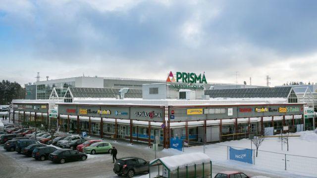 Один из гипермаркетов финской торговой сети Prisma в приграничном городе Йоэнсуу, куда в докризисные времена любили ездить на шопинг жители Карелии. Фото: prismafinland.ru
