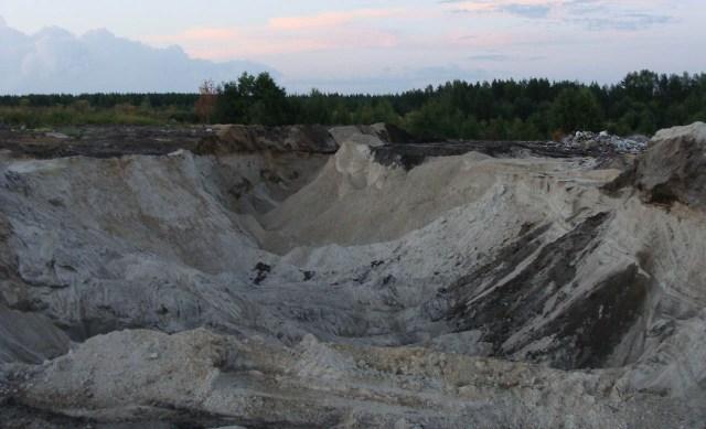 На Волчьей поляне шла незаконная добыча песка? Фото местных жителей