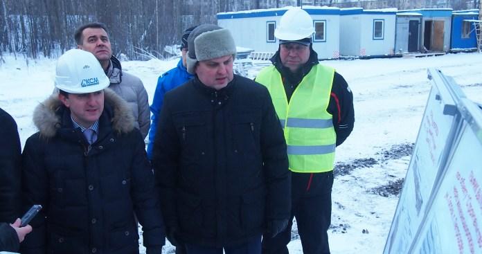 Сергей Анисимов и Олег Тельнов отвечают на вопросы журналистов. Фото: Валерий Поташов