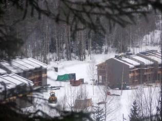 Стройка с высоты горы Пюёряваара. Фото Алексей Владимиров.