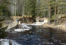 """Так выглядит знаменитый водопад Ахвенкоски в обрамлении деревянной застройки. Фото со страницы """"Карелия интересная"""" в сети """"Вконтакте"""""""
