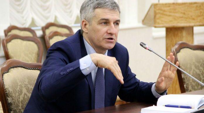 Карельский губернатор Парфенчиков показал Общественной палате республики, как ценит ее мнение. Фото: Илона Радкевич