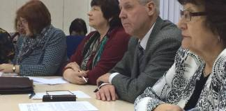 Бессменные руководители Общественной палаты Карелии Наталья Вавилова и Александр Титов (на снимке в центре). Фото: Любовь Кулакова