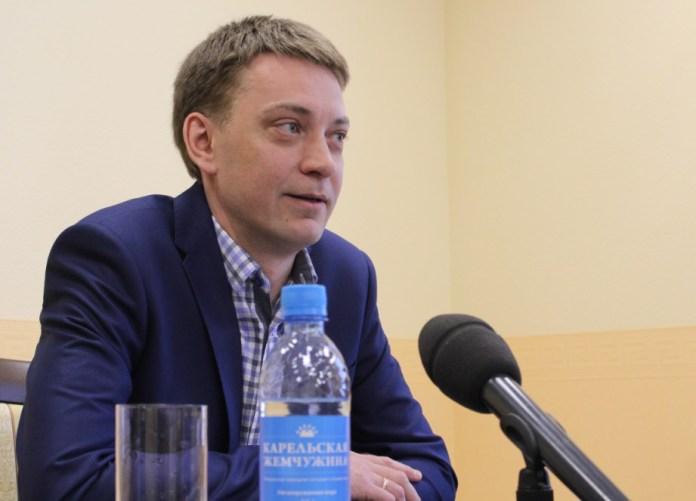 Андрей Рогалевич готов инициировать республиканский референдум. Фото: Валерий Поташов