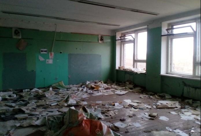 В таком состоянии находится сегодня бывшая школа в Тойволе. Фото: Юрий Гадалев