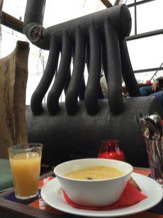 Peanutsoup at nearby Cafe Noorderlicht