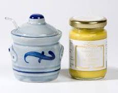 Traditional Mustardpot