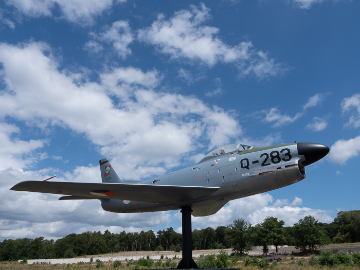 By bike through a National Park in the Netherlands to the Military Museum and the Zoo. Aircraft