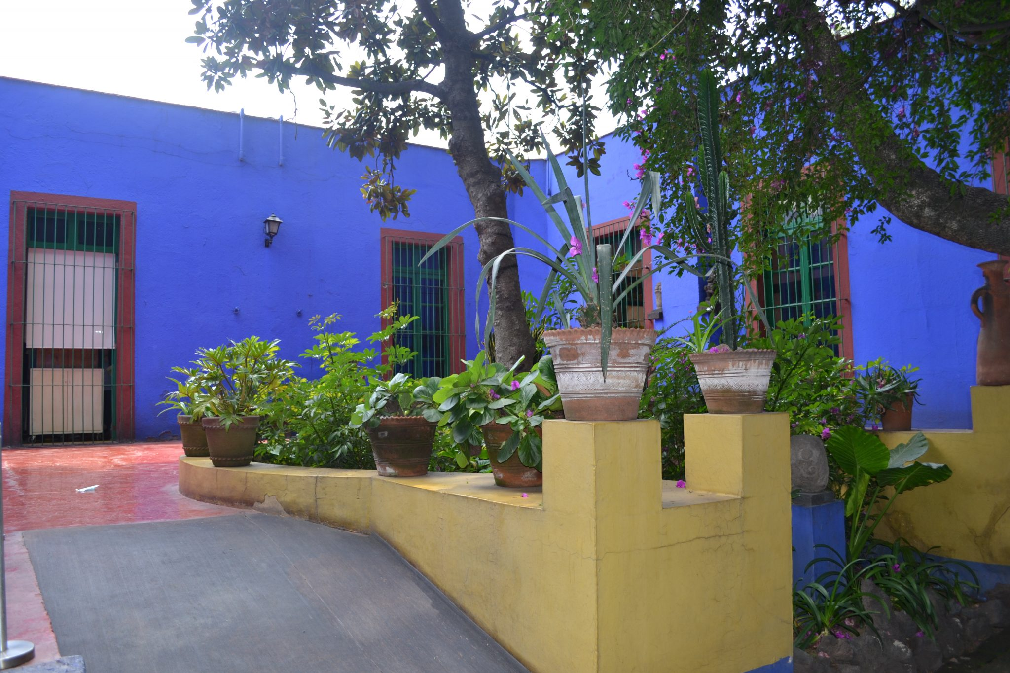 must see in mexico city | frida kahlo blue housefrida kahlo blue