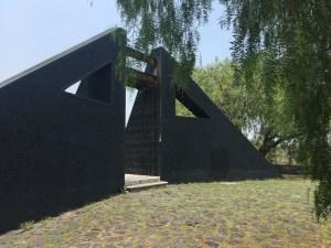 """""""Ocho Conejos"""" del arquitecto Federico Silva. participó en el proyecto Espacio Escultórico,"""