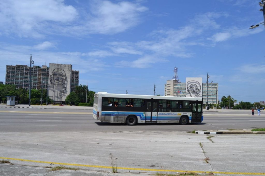 transporte-bus-cuba