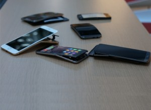 bent_smartphones_consumer_reports