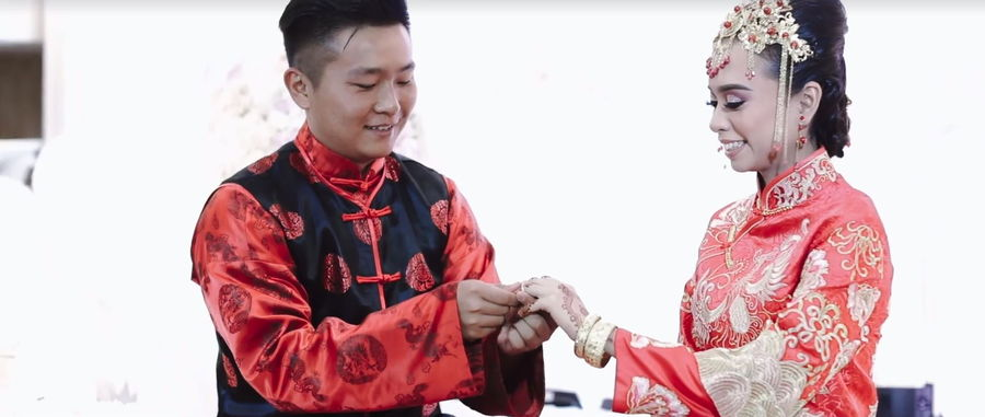 This Super Adorable MalayChinese Wedding Features Traditional