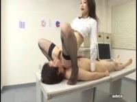 極上淫乱美女の水嶋あずみがOL姿で同僚を痴女攻めしてるセックス動画