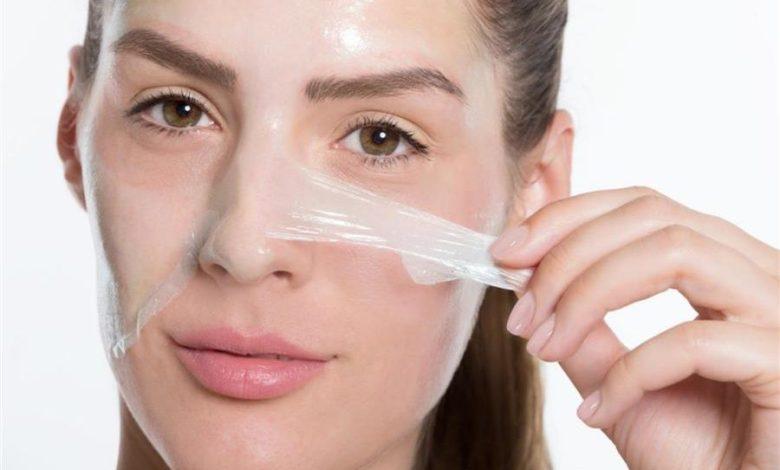 تقشير الوجه الكيميائي/فوائده وأضراره وآثاره الجانبية ومدة التعافي/متألقة